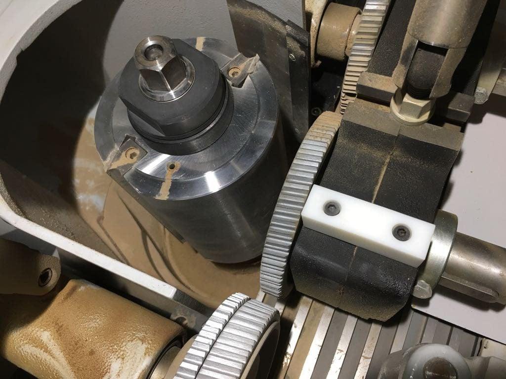 Weinig Powermat 600 – grooved guide table